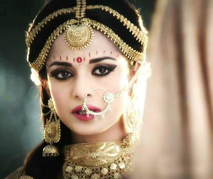 Pooja Sharma as Draupadi in Mahabharat   Jewellery   Pooja ...