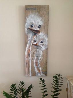 Struisjes geschilderd op steigerhout .