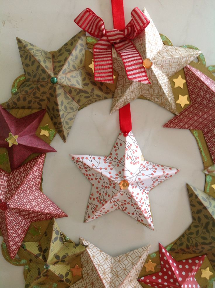 Close up of 3D wreath