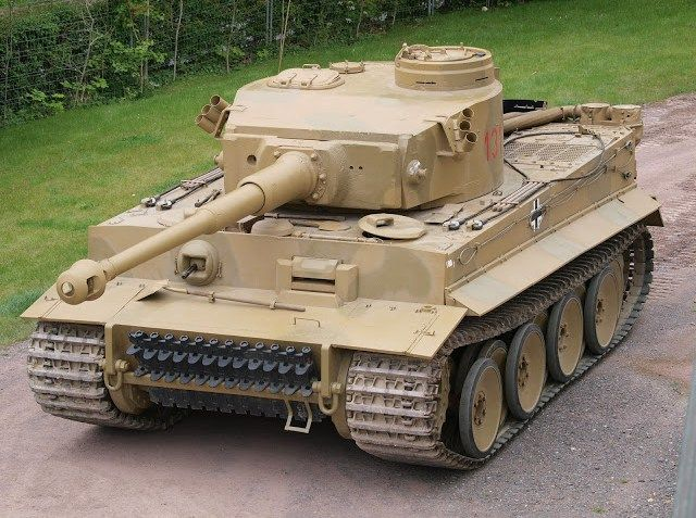 tanque tigre                      Tiger I es el nombre por el que se suele conocer un tanque pesadoalemán desarrollado en 1942 y usado en la Segunda Guerra Mundial. Su última designación oficial alemana fue Panzerkampfwagen TigerAusf. E ('vehículo de combate blindado Tigre variante E'), a menudo abreviado como TigerEl apodo del tanque fue puesto por Ferdinand Porsche, y el número romano se le añadió después de que el Tiger II entrara en producción. La primera designación oficial alemana…