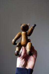 Kay Boyesen look-a-like wooden bear