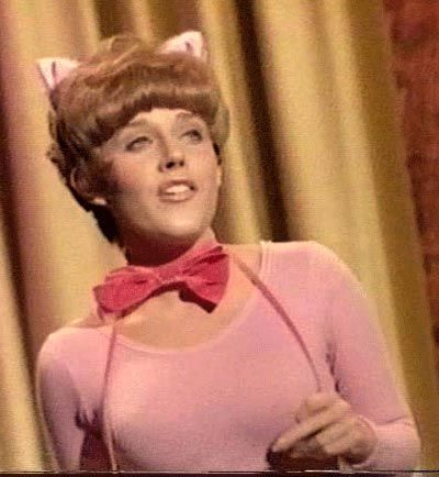 """Lesley Gore played Catwoman's sidekick, Pussycat, in two 1967 """"Batman"""" episodes."""
