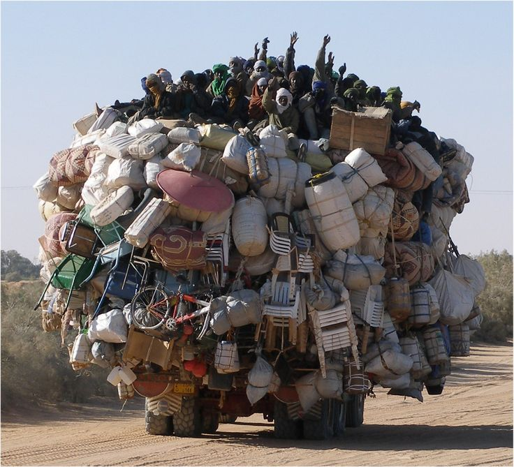 Now that's how to move your stuff! Libye-Niger