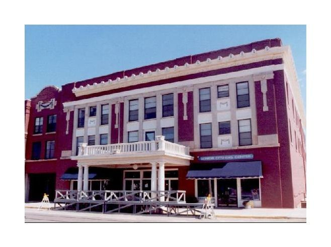 Southern Manor Apartments In El Reno Ok This Is The Former Hotel Built