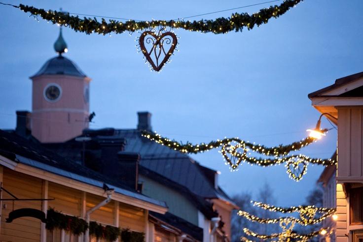 Christmas lights in Välikatu Street, Old Porvoo www.visitporvoo.fi