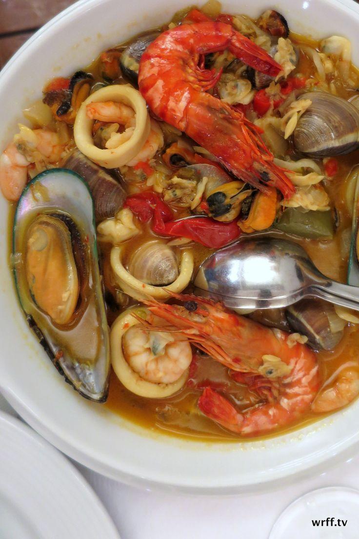 http://wrff.tv Cataplana de mariscos, a wonderful seafood stew. Tasca do Confrade in Aveiro, Aveiro