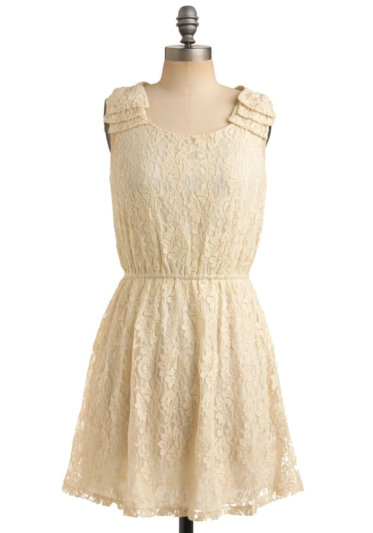 this is beautiful lovely for a date, i'd buy it but i have no one to wear it for :(