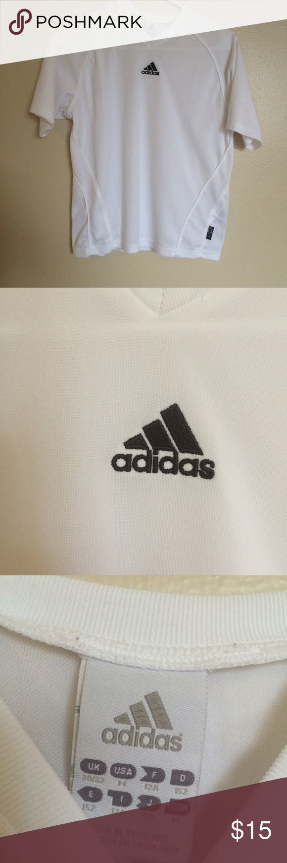 Adidas logo Tshirt Size medium Adidas Tshirt. Has the Adidas logo on the front. More of a boxy fit. Drifit so perfect for working out adidas Tops Tees - Short Sleeve