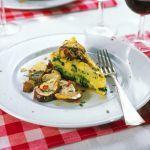 Una saporita polenta agli spinaci accompagnata da funghi porcini saltati in padella: scopri su Sale