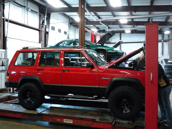 e9ea61cb2d0773ebf04d0fb5b09eb9ac colors jeep xj 91 best jeep xj images on pinterest jeep xj, jeep cherokee xj Jeep XJ Cherokee Upgrades at alyssarenee.co