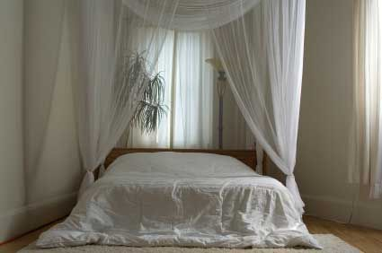 curtain above bed | Grommet or Eyelet Top curtains on a decorative rod or pole. Bold ...