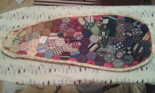 Lavelleen: blanket for a violin