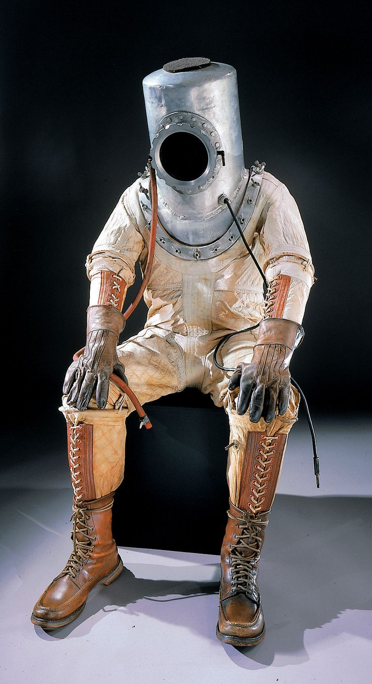 an astronaut in his space suit and with a propulsion - photo #34
