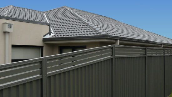 If you are looking for Colorbond gates or fences in Melbourne? Kontis Fencing install Colorbond Fencing Melbourne wide to make your property secure and looking great. We can also install Colorbond Gates as well.