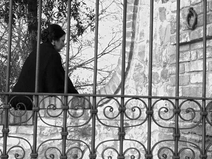 """IL MIO RIFUGIO... LA MIA GABBIA... - (da """"La scacchiera di Emily"""" - cortometraggio di QUEM quintelemento) - foto di Claudio Rancati"""