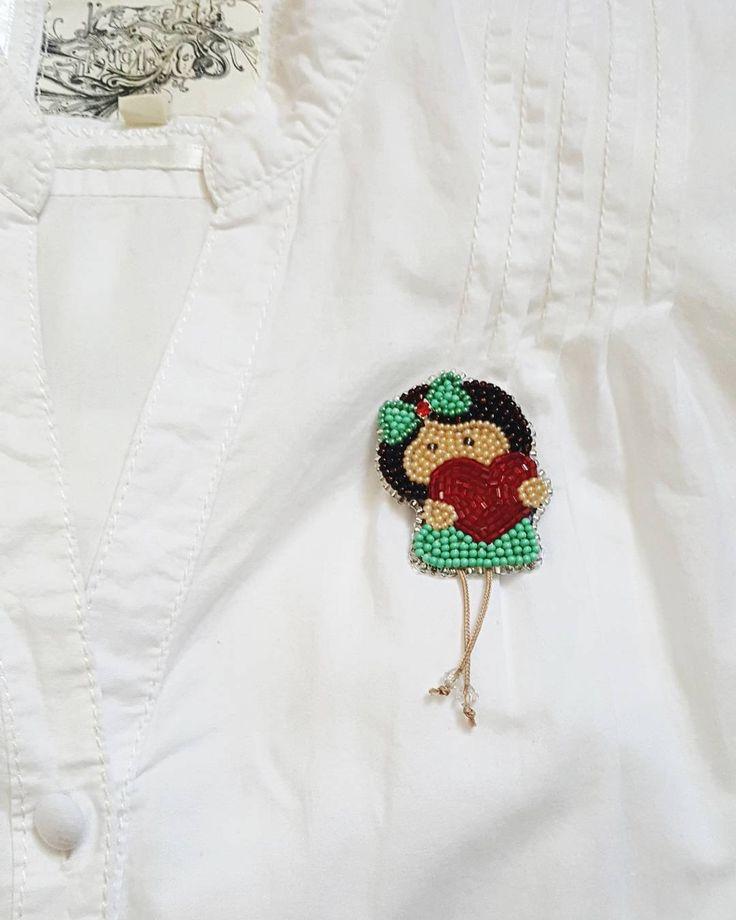#brooch #girl #beadsbrooch #lovestory #accessories