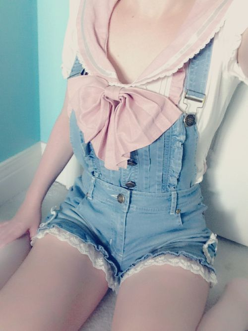 lisaren:    My outfit today! My favorite Liz Lisa shirt and new overall shorts (is that the proper name?) from dream v rakuten! I feel supa kawaii!