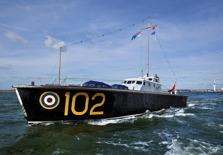 http://teamlocals.co.uk/cms/wp-content/uploads/2012/05/jubilee-boat.jpg