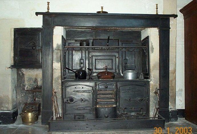 Victorian range by Sidney Flavel & Company of Leamington.