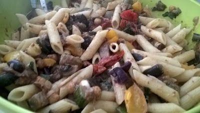 Winny, wat eten we vandaag?: Warme pasta salade met oven geroosterde groenten e...