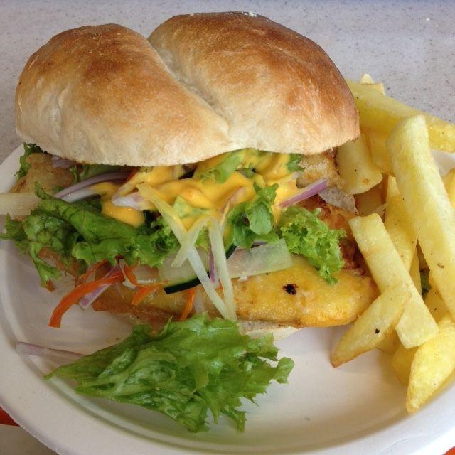 """Sandwich Peruano en Lima Mia: """"El acevichado"""": tilapia tempura, salsa acevichada, lechuga, apio, cebolla morada y pepino."""