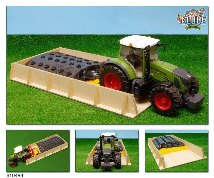 Sleufsilo hout 30x60x6 cm voor traktore  Een houten silo met een afmeting van 60 x 30 x 6 cm. geschikt voor tractoren en werktuigen van de boerderij. Voor kinderen vanaf 4 jaar.  EUR 13.48  Meer informatie