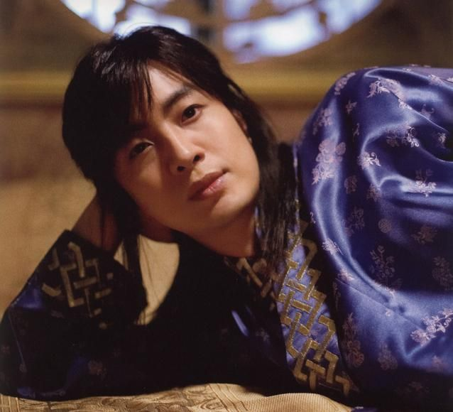 Bae Yong Joon ___The Story Of The First King's Four Gods