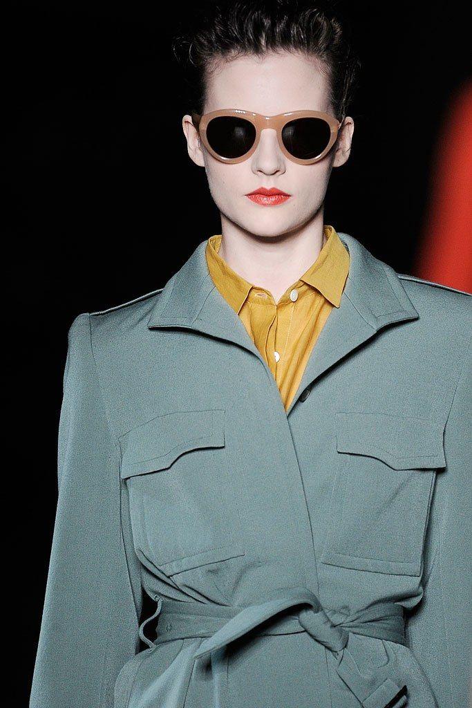Dries Van Noten Fall 2009 Ready-to-Wear Fashion Show Details