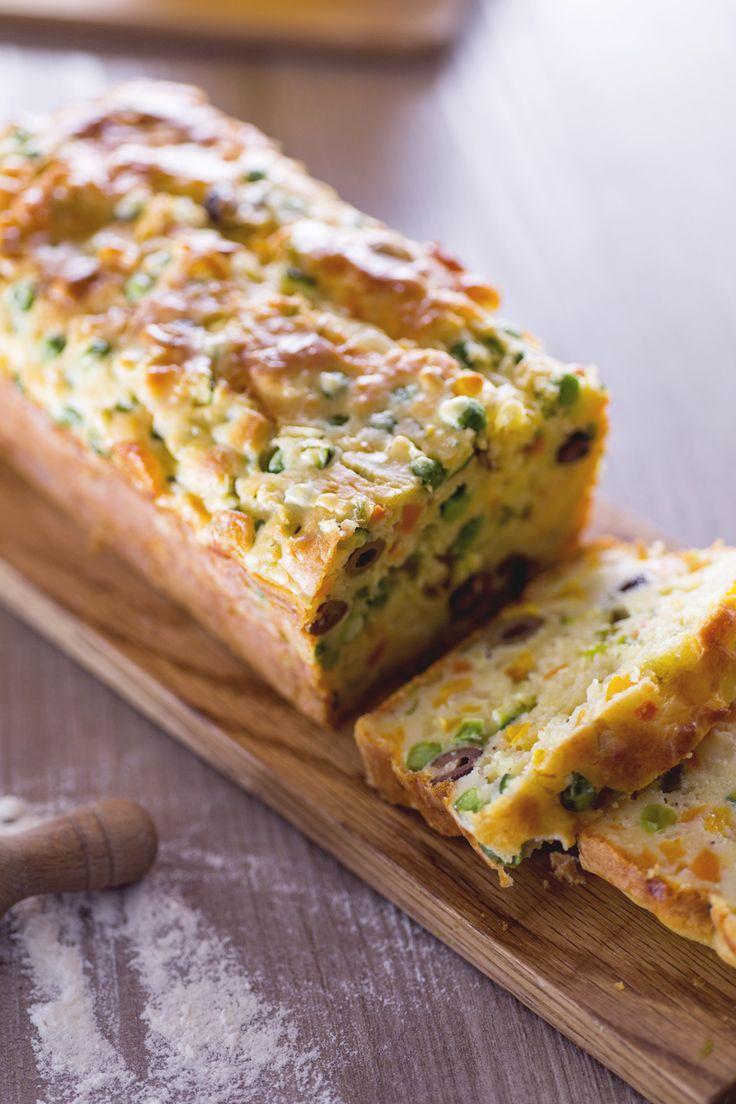 Chi ha detto che i #plumcake devono essere soltanto dolci? Il plumcake alle #verdure è una #torta #salata soffice e saporita, ideale per un #picnic o per la pausa #pranzo! (plumcake with #vegetables ) #Giallozafferano #recipe #ricetta #lunchtime #quiche