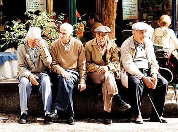 La actividad formativa apunta a mejorar la atención física y psicológica de las personas mayores con problemas de salud.