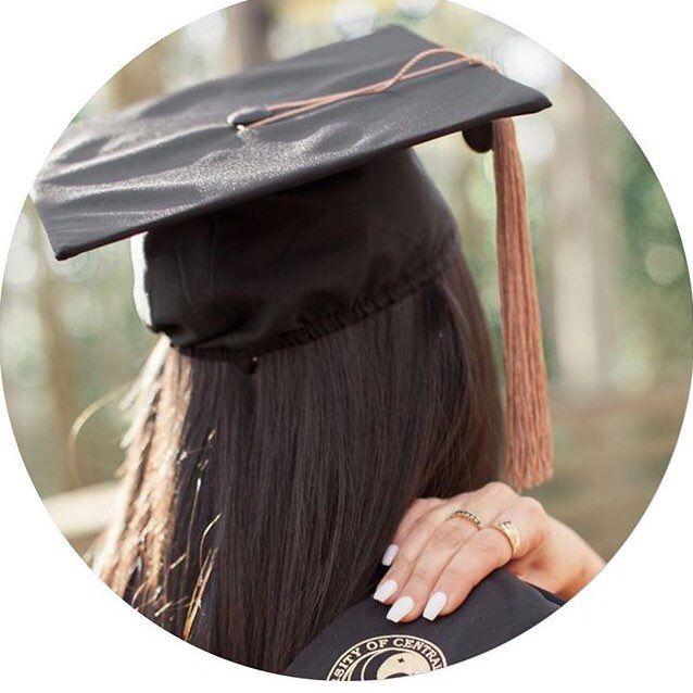 Pin By Zulaikha Shaikh On افتارات Photo Ideas Girl Profile Picture For Girls Graduation Wallpaper