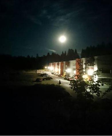 Korteniityntie and full moon