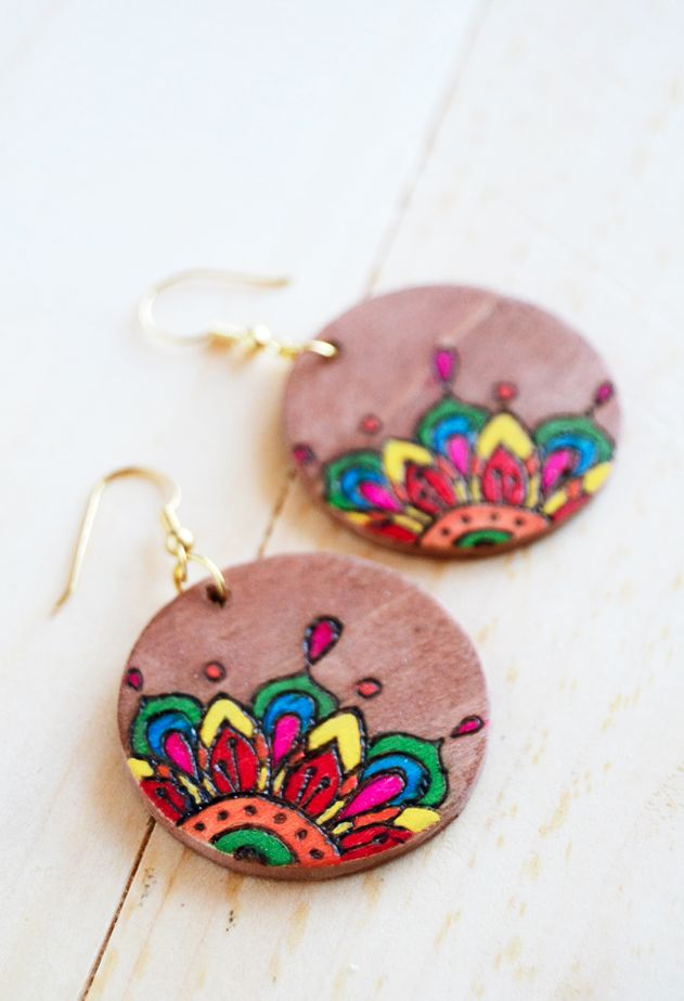 These Coloring Book DIY Wooden Earrings are my newest summer obsession.