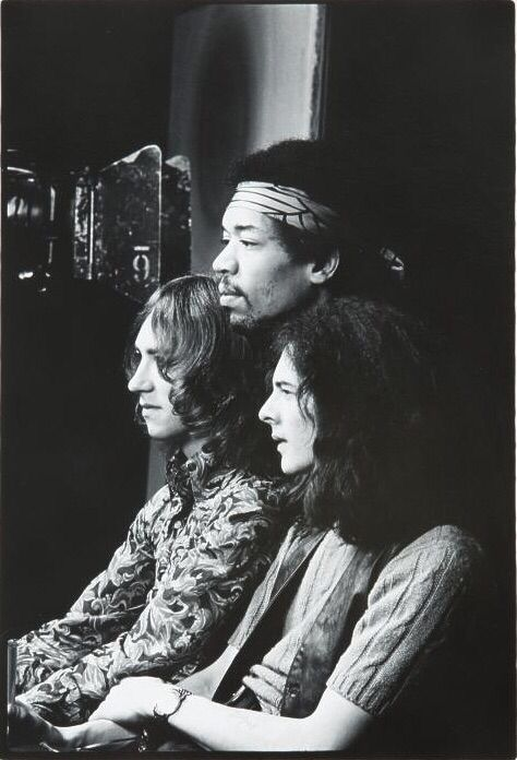 an introduction to the jimi hendrix experience Live at monterey, an album by the jimi hendrix experience released in 2007 on experience hendrix (catalog no 0602517455160 cd)  following the introduction by .