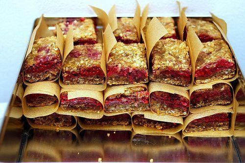 Raspberry Breakfast Bars   39 Sweet Ways To Eat Berries For Breakfast
