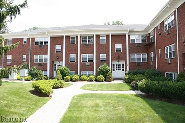 Brooklawn Court Apartments