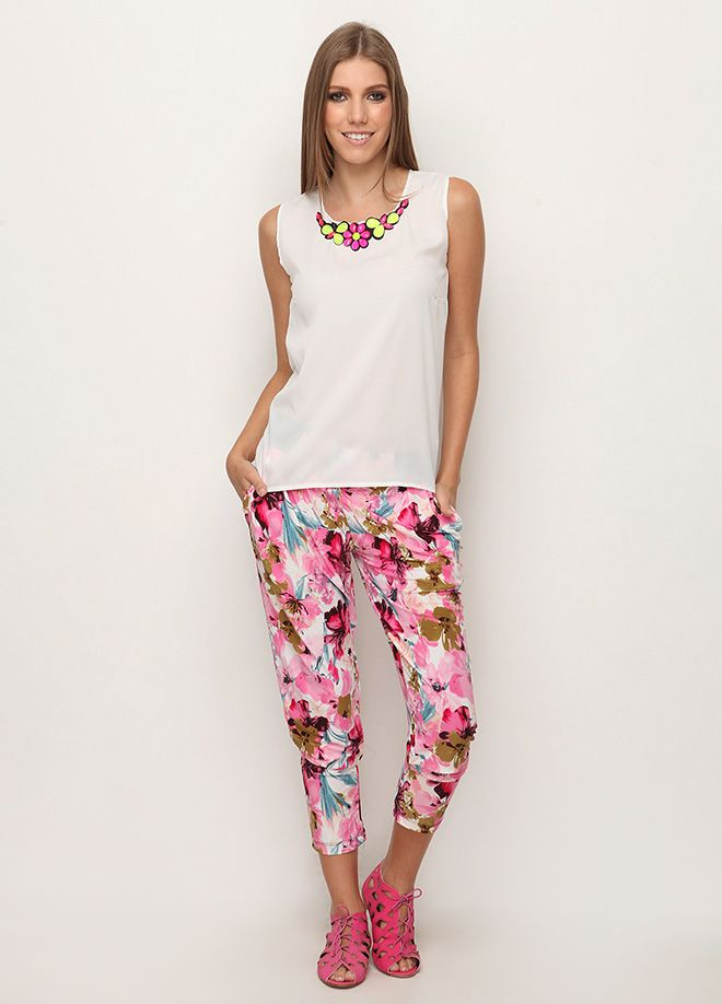 Stil Aşkı: Floral Pantolon Markafoni'de 64,99 TL yerine 19,99 TL! Satın almak için: http://www.markafoni.com/product/4602505/