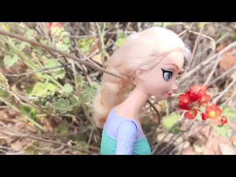 Elsa and Anna GO HIKING on vacation Disney Frozen Barbie Parody Hike in Desert - http://hikingcentral.net/elsa-and-anna-go-hiking-on-vacation-disney-frozen-barbie-parody-hike-in-desert/