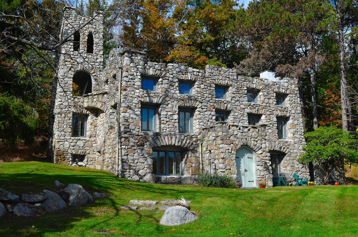 Castle House In Pine Bush Ny Uniquehomes Fall Vacation
