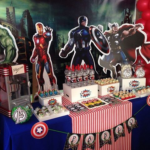 Repost from @tphthepartyhouse: fiesta de Los Vengadores (The Avengers)    #superheroparty #avengers #heroes #hulk #capitanamerica #ironman #thor  #mesasdulces #decoracion #cumpleaños #celebracion #fiestainfantil #fiestasinfantiles #partyidea #partydecor #partykids #partystyling #partyideas #partydecoration
