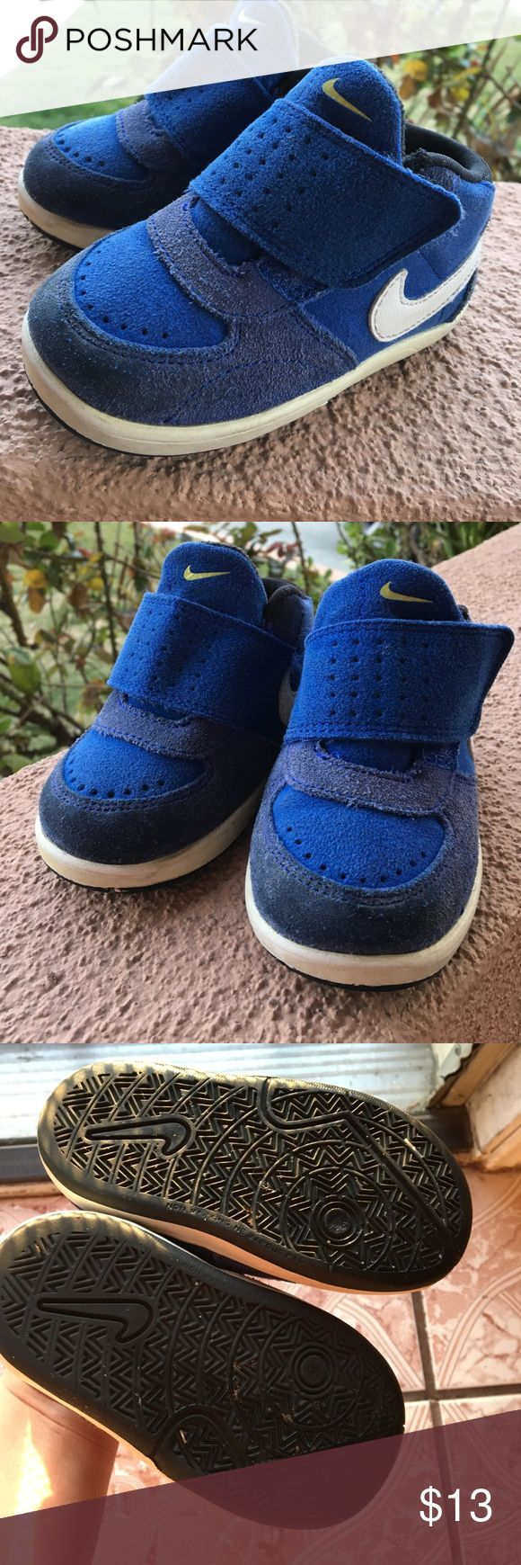 Toddler Nike shoes size 5c Gently worn Toddle Nike blue tennis Shoes Nike Shoes Athletic Shoes