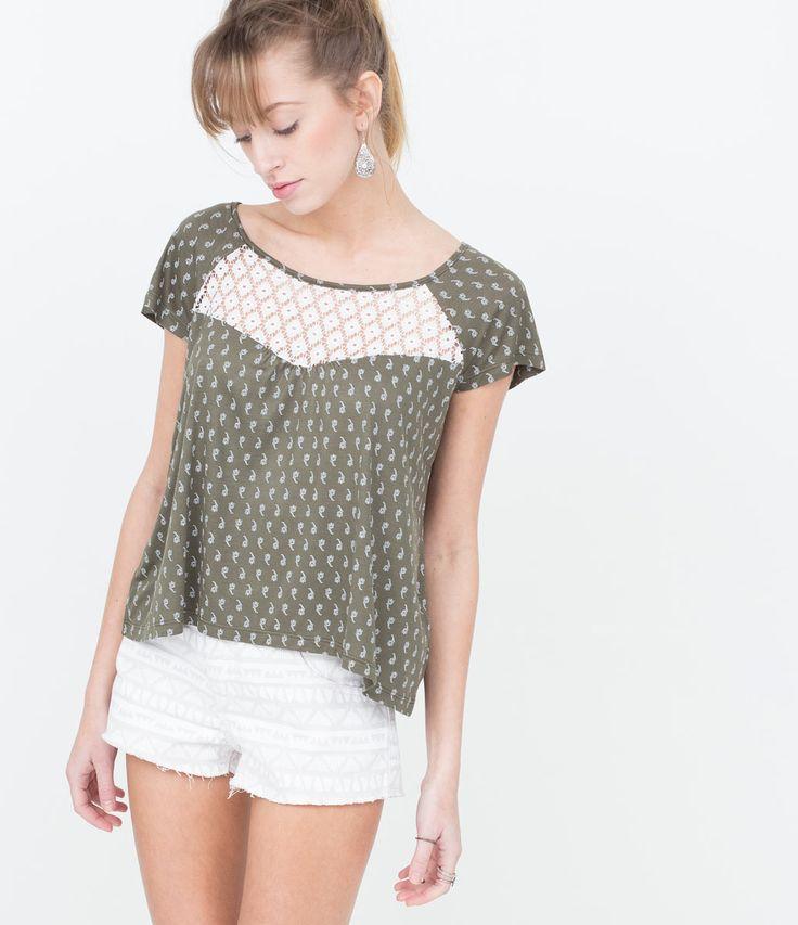 Blusa Feminina Cropped com Detalhe Renda Lojas Renner