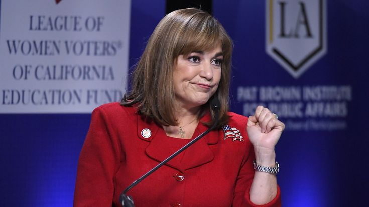 U.S. Rep. Loretta Sanchez ended her debate against California Attorney General Kamala Harris by doing a dance move called the dab.