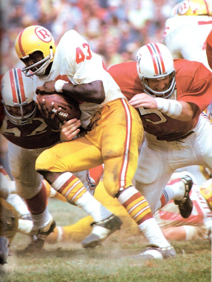 The Redskins were one of those teams - they wore the stripeless jerseys in 1969 (Lombardi's year) and again in 1970. Description from gridironuniforms.forumotion.com. I searched for this on bing.com/images