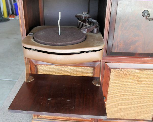 Dusty Coyote Turning A Kitchen Cart Into A Table Kitchen: Best 25+ Antique Record Player Ideas On Pinterest