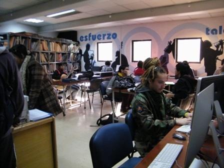 La biblioteca: un lugar para estudiar y compartir