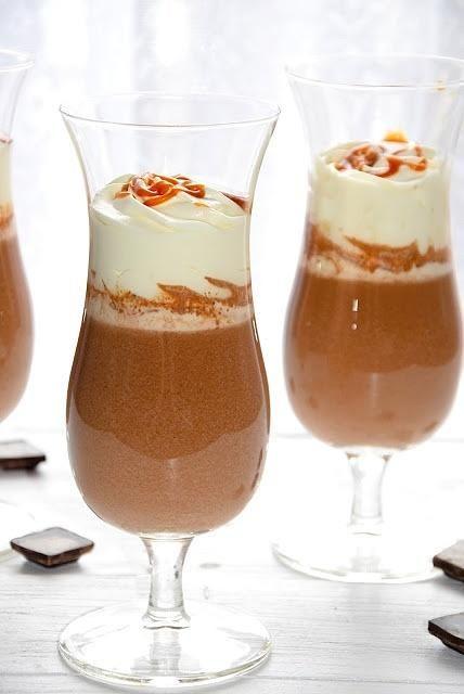 Karmelowa gorąca czekolada do picia