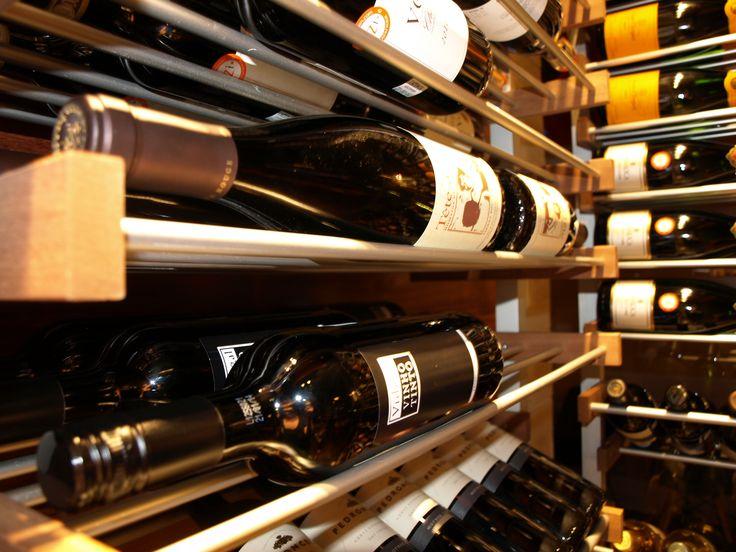 Vins d'importation Le Bar à vin - Bistro Le Club au Quartier Dix30 #bar #vin # wine bar #tapas #cellier #Dix30 #vin importation #brossard