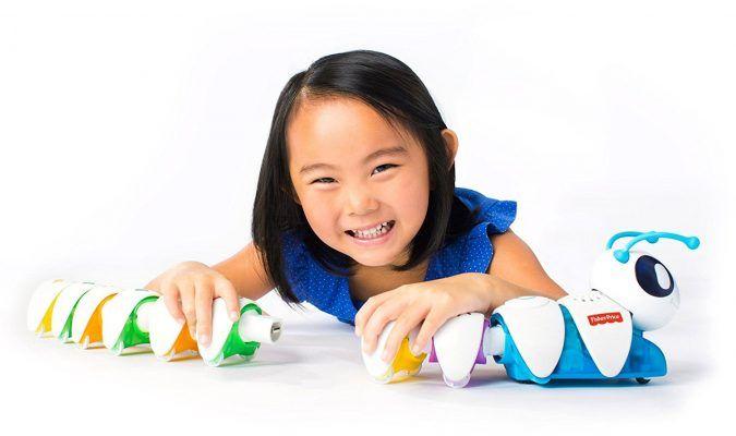 Fisher-Price - Codi-oruga (Mattel DKT39) por 21 €  ¡La #Codi-oruga ayuda a los pequeños aprendices a pensar a lo grande! Los #niños de preescolar pueden colocar y #recolocar los segmentos fáciles de conectar para crear un sinfín de combinaciones y poner en marcha la Codi-oruga.   #chollos #compras #juguetes #ofertas