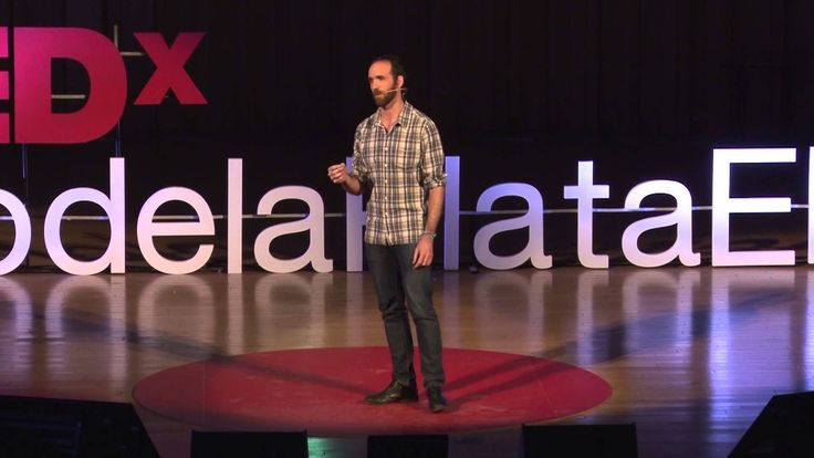 El poder de las historias | Eduardo Sáenz de Cabezón | TEDxRiodelaPlataED Cuánto pueden ayudar las historias a aprender ciencia? Eduardo Sáenz de Cabezón demuestra el poder de las historias para hacer interesante hasta lo más difí...